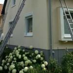 Region Paderborn: Einblasdämmung am Einfamilienhaus in 33758 Schloß Holte-Stukenbrock. Fassadendämmung an einem Arbeitstag