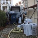 Wärmedämmung mit Zellulose an den Kniestöcken eines Mehrfamilienhauses in 30625 Hannover