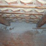 Zwischensparrendämmung: hier als Einblasdämmung mit Zellulose Isocell am Mehrfamilienhaus in Gehrden
